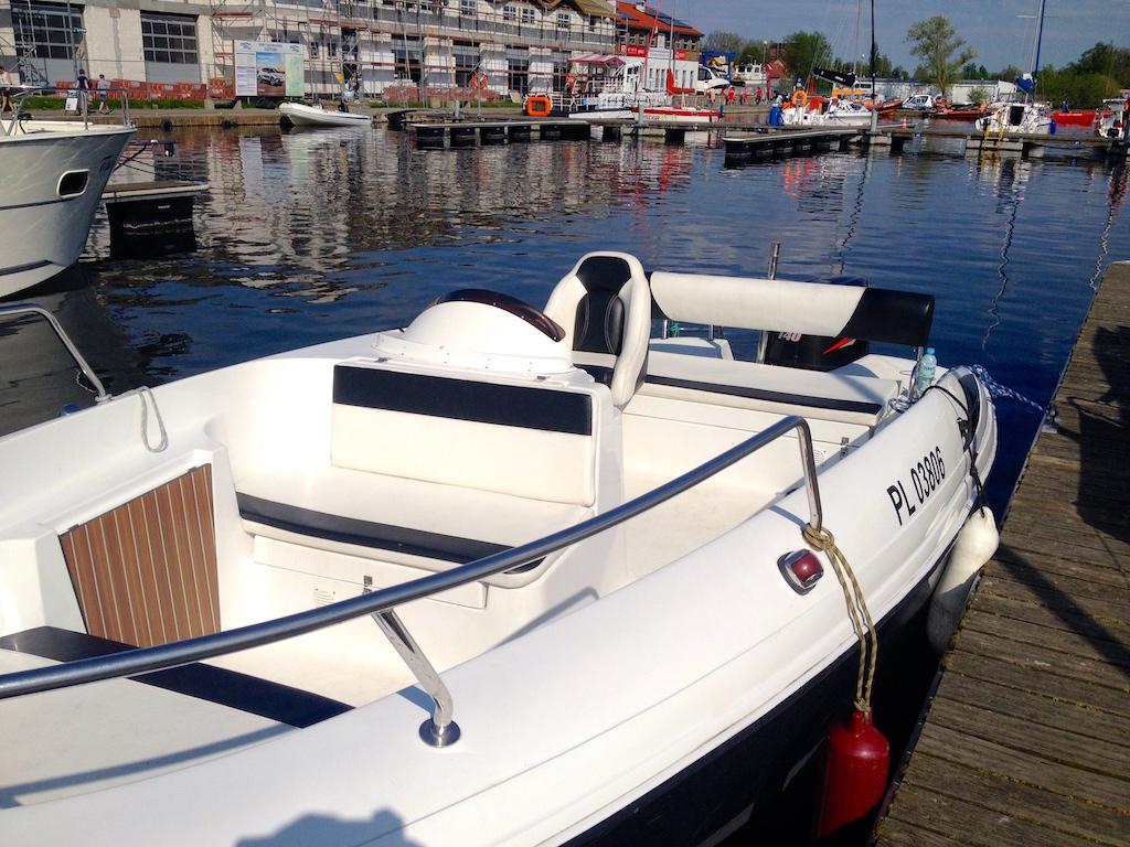 Viva 606 Czarter łodzi